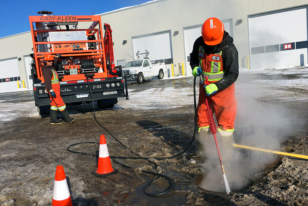 City crews ready for warmer weekend temperatures